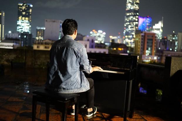 Hậu ca khúc 83 triệu view bị gỡ, Andiez Nam Trương tung MV ca nhạc đầu tay buồn lụi tim - Ảnh 2.