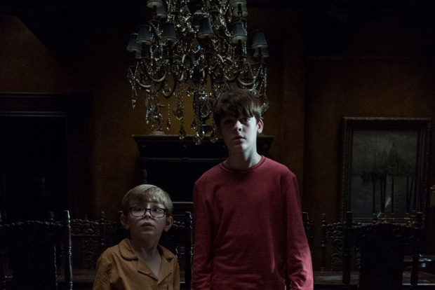 """Cực phẩm kinh dị nhất Netflix """"The Haunting of Hill House"""": Quá nhiều ma, quá đáng sợ! - Ảnh 11."""