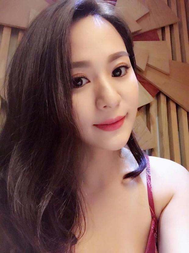 Ít ai ngờ đây là 3 cô con gái nuôi vô cùng xinh đẹp của các sao đình đám showbiz Việt - Ảnh 2.