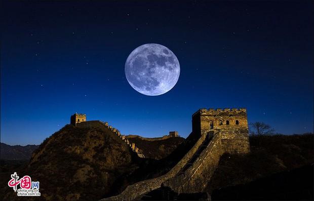 """Trung Quốc sắp sửa lắp luôn """"mặt trăng nhân tạo"""" trên trời để không phải bật nhiều đèn đường, đỡ tốn điện - Ảnh 1."""