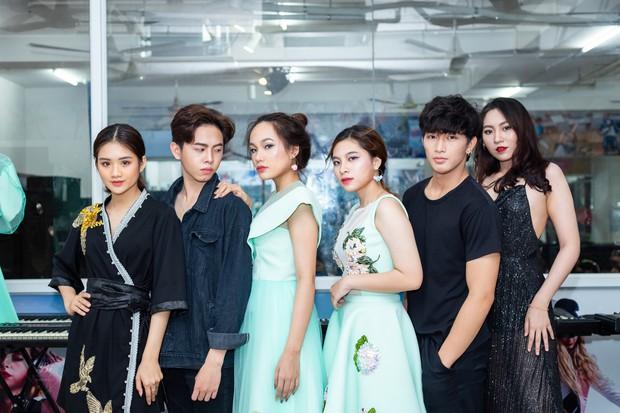 CLB người mẫu toàn gái xinh, trai 6 múi ở TPHCM: Tham gia hoạt động sinh viên để trưởng thành chứ không phải ăn chơi bỏ bê việc học - Ảnh 19.