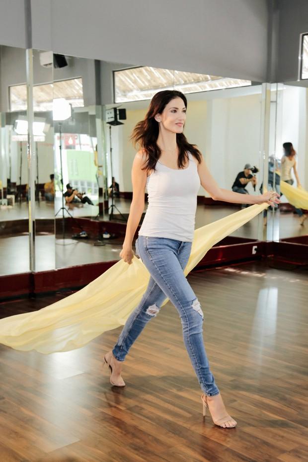 Minh Tú tất bật tập luyện cùng siêu mẫu quốc tế Cindy Bishop cho cuộc đua Miss Supranational 2018 - Ảnh 9.