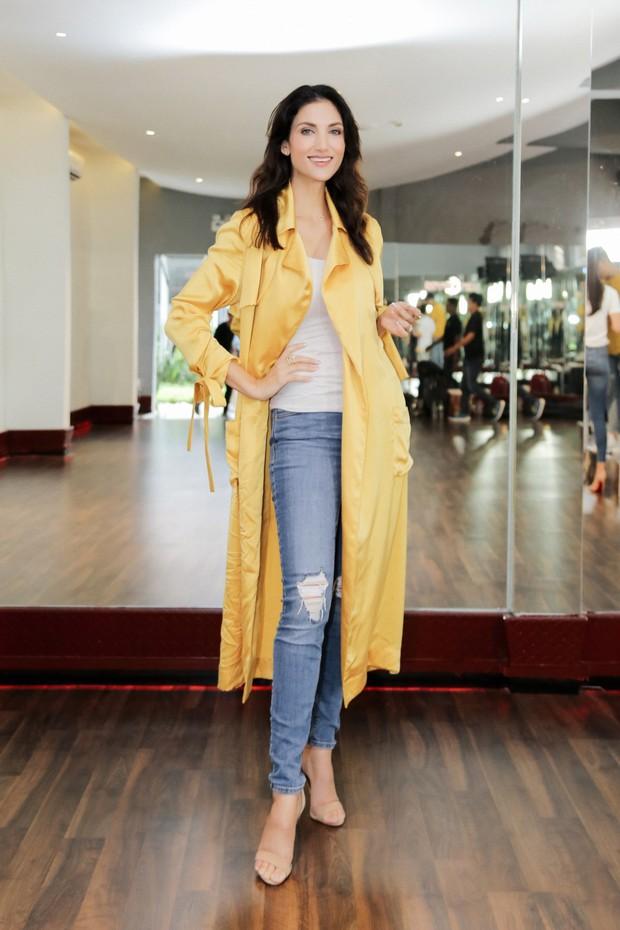 Minh Tú tất bật tập luyện cùng siêu mẫu quốc tế Cindy Bishop cho cuộc đua Miss Supranational 2018 - Ảnh 7.