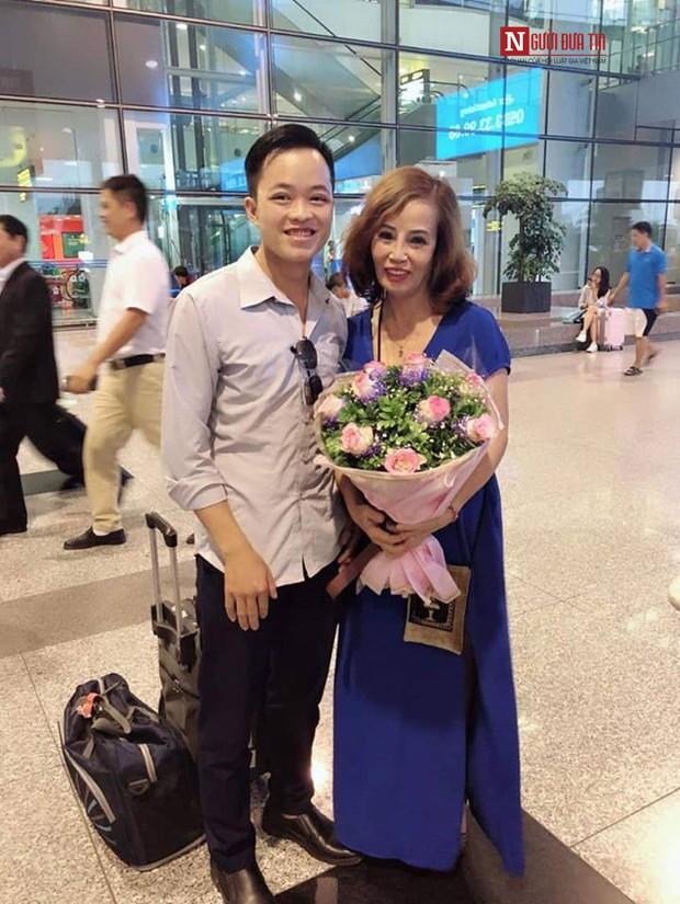 Cô dâu 62 tuổi ở Cao Bằng tiết lộ sốc về diện mạo mới như thiếu nữ 18 - Ảnh 2.