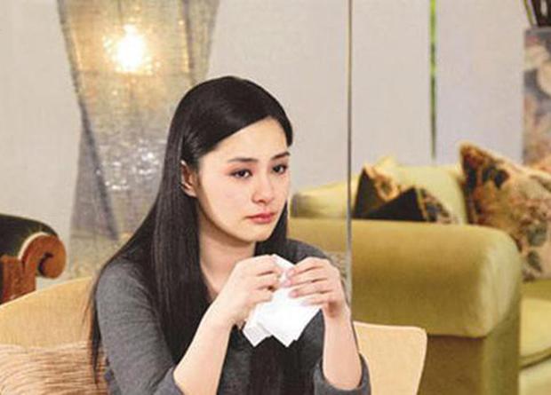 Sau 10 năm lận đận, cuộc sống hôn nhân của mỹ nữ Hong Kong bị tung ảnh nóng giờ ra sao? - Ảnh 3.