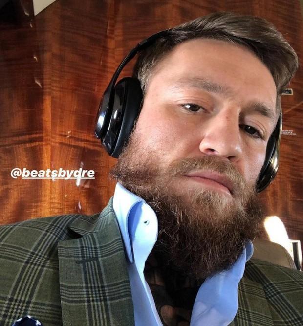 Hậu UFC 229, Gã điên Conor McGregor vung tiền mua hàng hiệu xa xỉ - Ảnh 4.