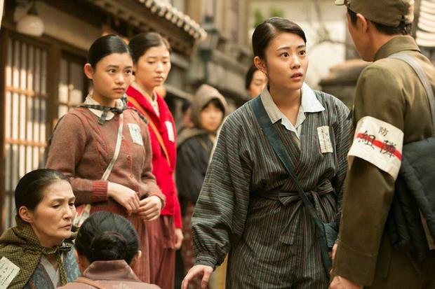 Phụ nữ - những kẻ bé nhỏ nhưng mạnh mẽ nhất thế gian qua 5 tuyệt tác phim Nhật - Ảnh 7.