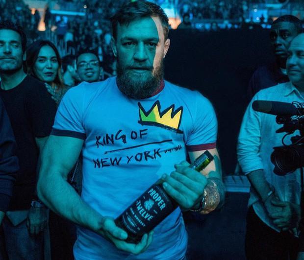 Hậu UFC 229, Gã điên Conor McGregor vung tiền mua hàng hiệu xa xỉ - Ảnh 8.