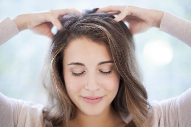 Muốn tóc mọc dài nhanh hơn thì đừng bỏ qua những mẹo vô cùng đơn giản sau đây - Ảnh 2.