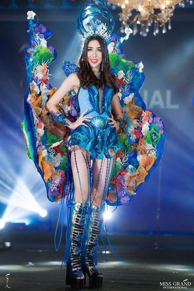 Chính thức: Phương Nga lọt top 5 bộ trang phục dân tộc được bình chọn nhiều nhất tại Miss Grand International 2018 - Ảnh 4.