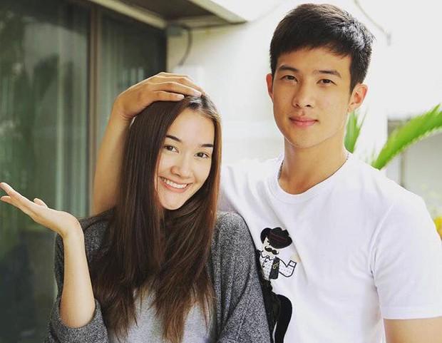 Anh xã quốc dân đình đám Thái Lan James Ma đang hẹn hò bông hồng lai được đàn ông Thái khao khát nhất? - Ảnh 1.