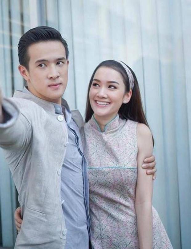Anh xã quốc dân đình đám Thái Lan James Ma đang hẹn hò bông hồng lai được đàn ông Thái khao khát nhất? - Ảnh 4.