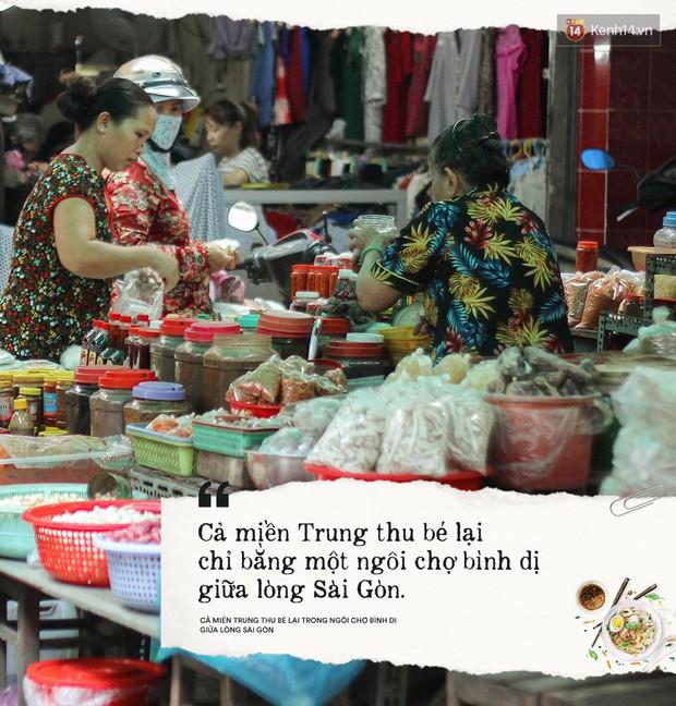Cả miền Trung thu bé lại chỉ bằng một ngôi chợ bình dị giữa lòng Sài Gòn - Ảnh 3.