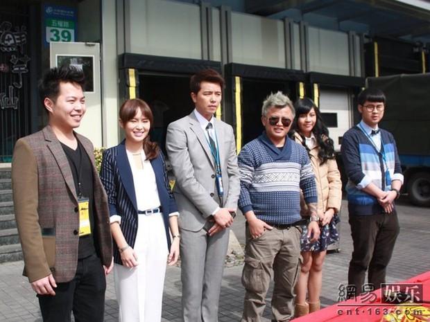 Showbiz Đài Loan chấn động: Đạo diễn tiếng tăm quyết định đốt khí than tự tử vì bị lừa tiền - Ảnh 4.