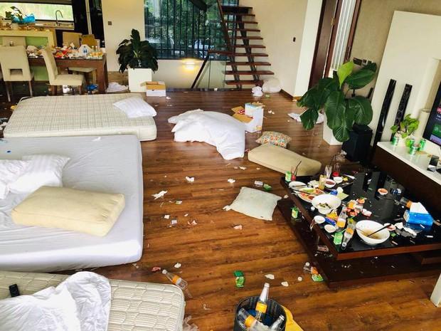 Chùm ảnh: Những căn phòng khách sạn biến thành bãi rác khiến nhân viên cũng nổi da gà - Ảnh 7.