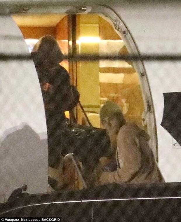 Justin Bieber đã công khai gọi Hailey Baldwin là vợ trước mặt nhiều người sau khi đăng ký kết hôn - Ảnh 3.
