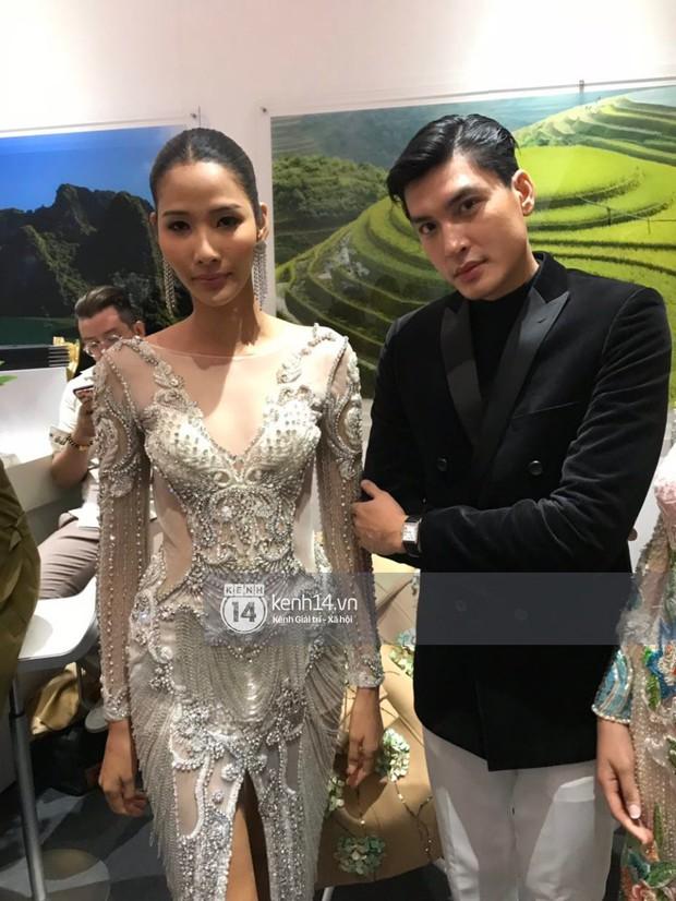 ĐỘC QUYỀN: Hé lộ hình ảnh đầu tiên của Hoa hậu Tiểu Vy, Hoàng Thùy và Quang Đại tại sự kiện ra mắt xe hơi VinFast - Ảnh 8.