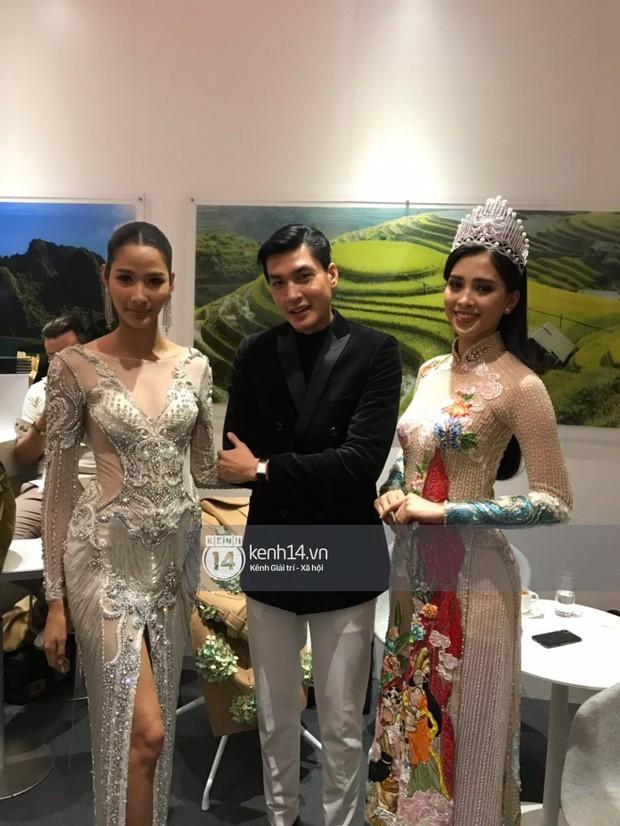 ĐỘC QUYỀN: Hé lộ hình ảnh đầu tiên của Hoa hậu Tiểu Vy, Hoàng Thùy và Quang Đại tại sự kiện ra mắt xe hơi VinFast - Ảnh 10.