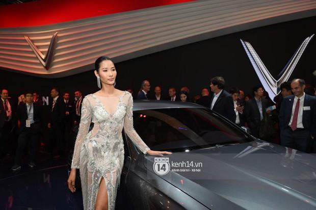 Hoàng Thùy diện váy lộng lẫy, Quang Đại điển trai tại sự kiện ra mắt xe của VINFAST tại Paris Motor Show - Ảnh 6.