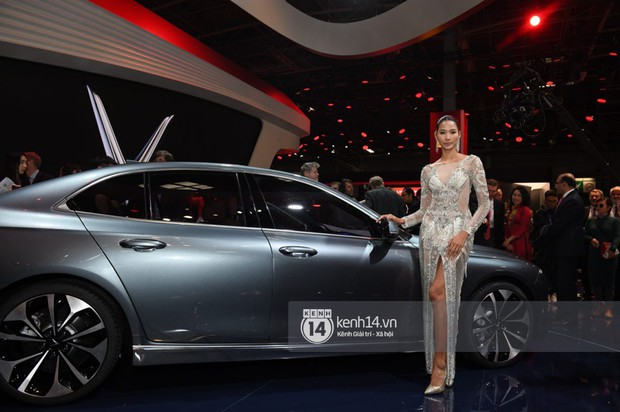 Hoàng Thùy diện váy lộng lẫy, Quang Đại điển trai tại sự kiện ra mắt xe của VINFAST tại Paris Motor Show - Ảnh 7.