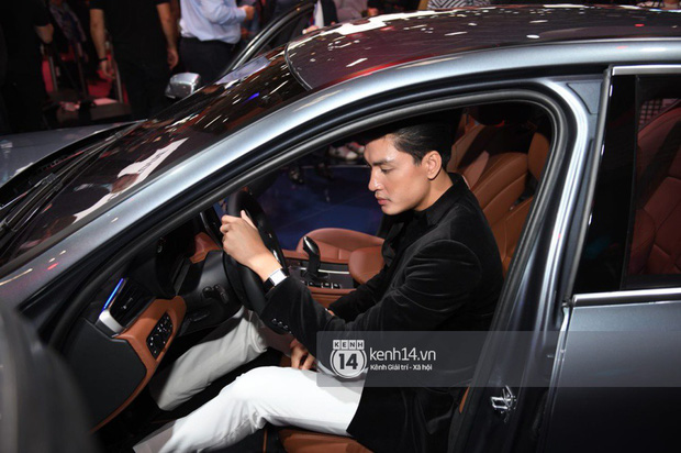 Hoàng Thùy diện váy lộng lẫy, Quang Đại điển trai tại sự kiện ra mắt xe của VINFAST tại Paris Motor Show - Ảnh 11.