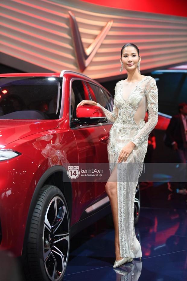 Hoàng Thùy diện váy lộng lẫy, Quang Đại điển trai tại sự kiện ra mắt xe của VINFAST tại Paris Motor Show - Ảnh 14.