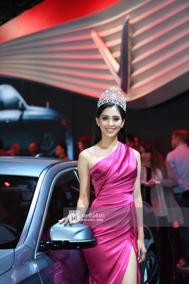 Hoa hậu Tiểu Vy diện váy dạ hội nổi bật, cực xinh đẹp trong sự kiện ra mắt ô tô VINFAST tại Paris - Ảnh 2.
