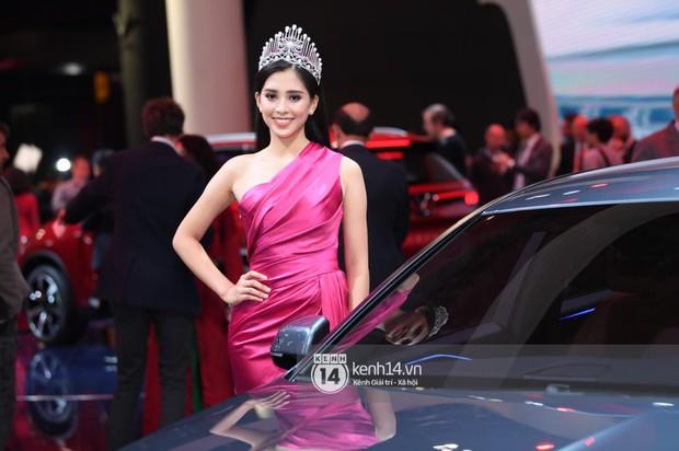 Hoa hậu Tiểu Vy diện váy dạ hội nổi bật, cực xinh đẹp trong sự kiện ra mắt ô tô VINFAST tại Paris - Ảnh 3.
