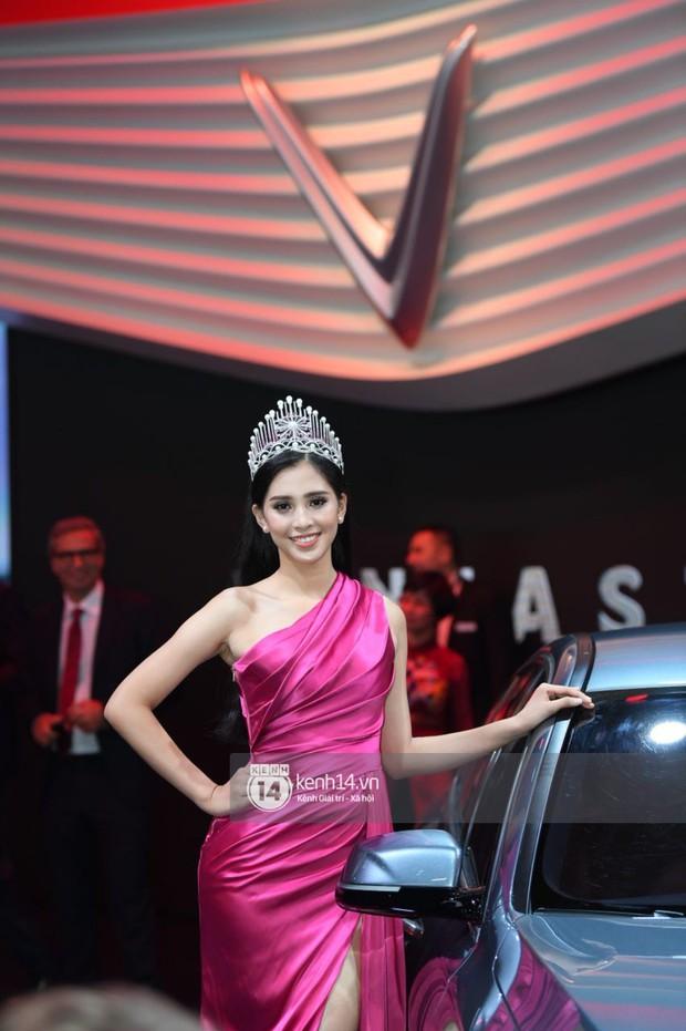 Hoa hậu Tiểu Vy diện váy dạ hội nổi bật, cực xinh đẹp trong sự kiện ra mắt ô tô VINFAST tại Paris - Ảnh 4.