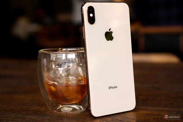 Chụp tự sướng trên iPhone XS và XS Max bỗng dưng được làm mịn da, thực hư ra sao? - Ảnh 8.