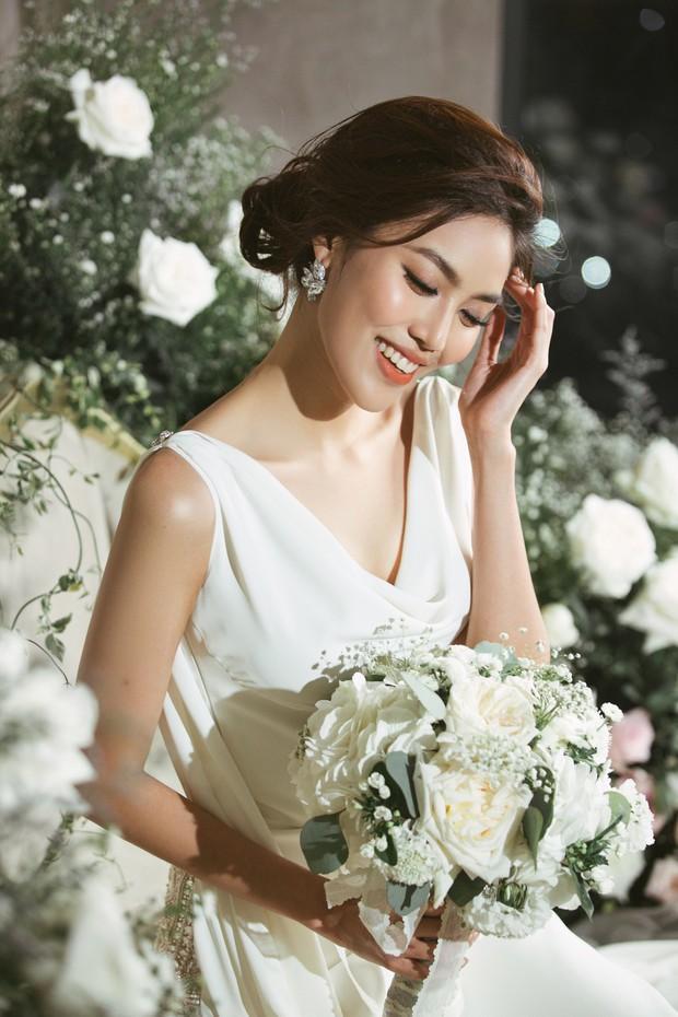Trước 2 ngày lên xe hoa, loạt ảnh hậu trường thử váy cưới của Lan Khuê chính thức hé lộ - Ảnh 3.