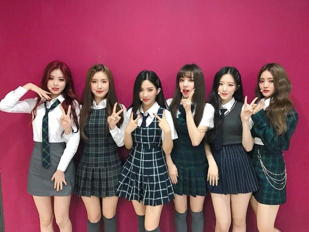 Chỉ 5 tháng sau debut, girlgroup mới nổi nhà Cube đã có loạt sân khấu cover toàn hit khủng của tiền bối - Ảnh 4.