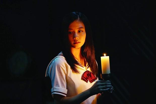 Phim học đường đen tối Girls in the Dark: Màn đấu đá đầy chết chóc giữa nhóm nữ sinh - Ảnh 5.