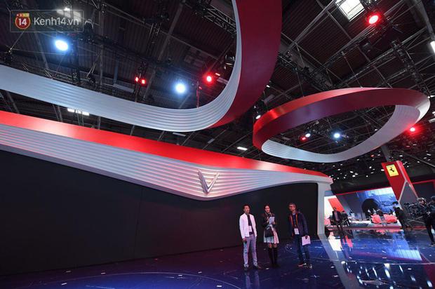Lộ diện hình ảnh gian hàng và sân khấu khủng của VinFast tại Paris Motor Show 2018 - Ảnh 3.