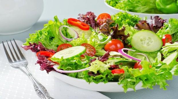 Muốn ăn salad để giảm cân thì phải chọn nguyên liệu như thế này, sai món là bạn sẽ tăng cân ngay - Ảnh 2.