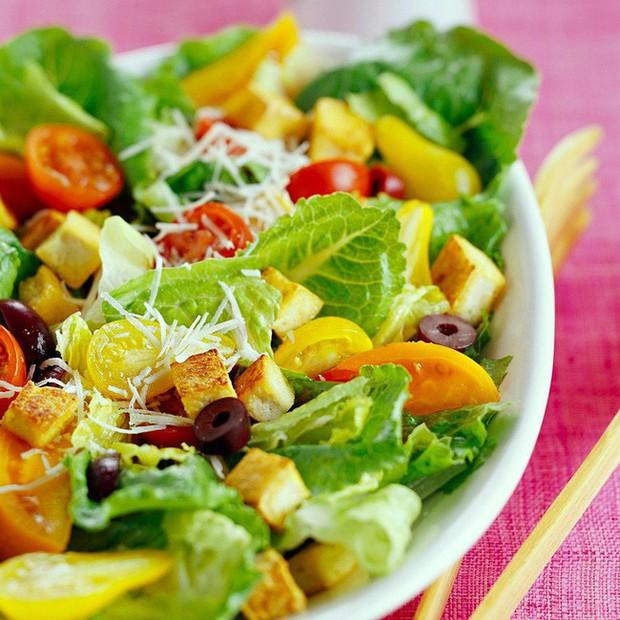 Muốn ăn salad để giảm cân thì phải chọn nguyên liệu như thế này, sai món là bạn sẽ tăng cân ngay - Ảnh 3.