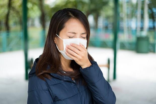 Những dấu hiệu cảnh báo bệnh ung thư da mà bạn không thể nhìn thấy bằng mắt thường được - Ảnh 1.