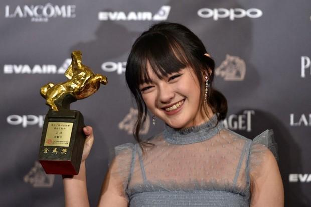 Cô gái 15 tuổi được kỳ vọng sẽ vượt mặt phiên bản Quách Tương của Dương Mịch - Ảnh 3.