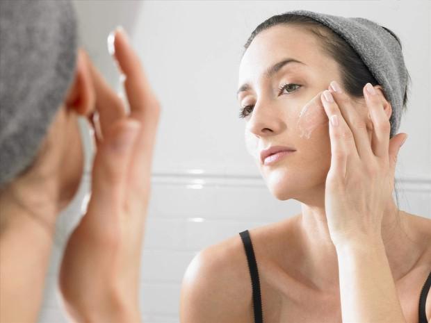 Những thói quen tưởng chừng vô hại nhưng lại khiến quá trình dưỡng da của bạn trở thành công cốc - Ảnh 5.