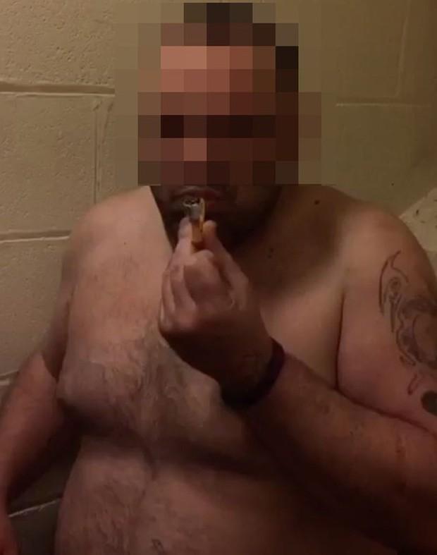 Những cảnh tượng gây sốc bên trong nhà tù Anh quốc - Ảnh 2.