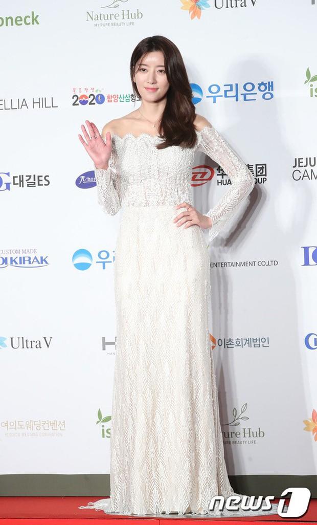 Thảm đỏ Oscar Hàn Quốc 2018: Nàng cháo và loạt mỹ nhân thi nhau o ép vòng 1, Seolhyun sang như bà hoàng - Ảnh 30.