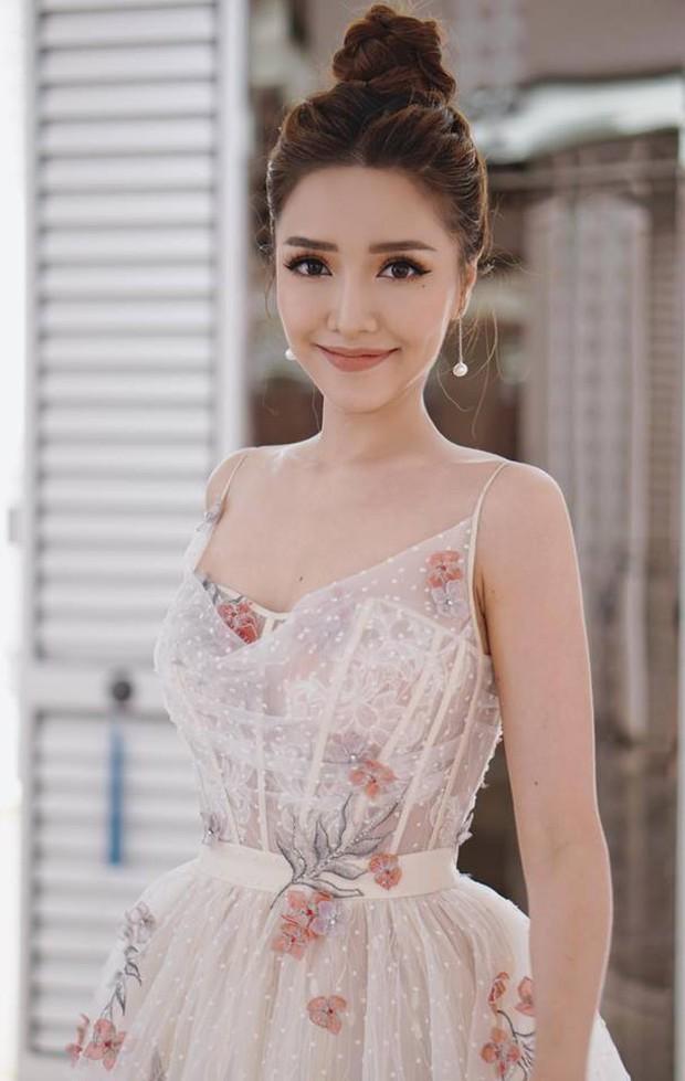 Hậu giảm cân, Bích Phương thua nhiều điểm trước Ngọc Trinh khi đụng váy công chúa - Ảnh 1.