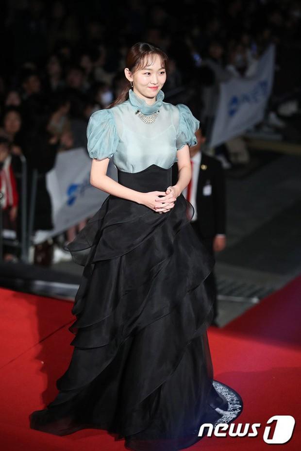 Thảm đỏ Oscar Hàn Quốc 2018: Nàng cháo và loạt mỹ nhân thi nhau o ép vòng 1, Seolhyun sang như bà hoàng - Ảnh 29.