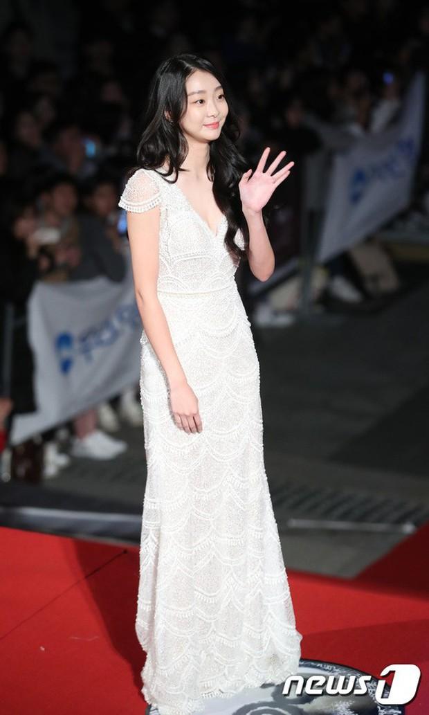 Thảm đỏ Oscar Hàn Quốc 2018: Nàng cháo và loạt mỹ nhân thi nhau o ép vòng 1, Seolhyun sang như bà hoàng - Ảnh 9.