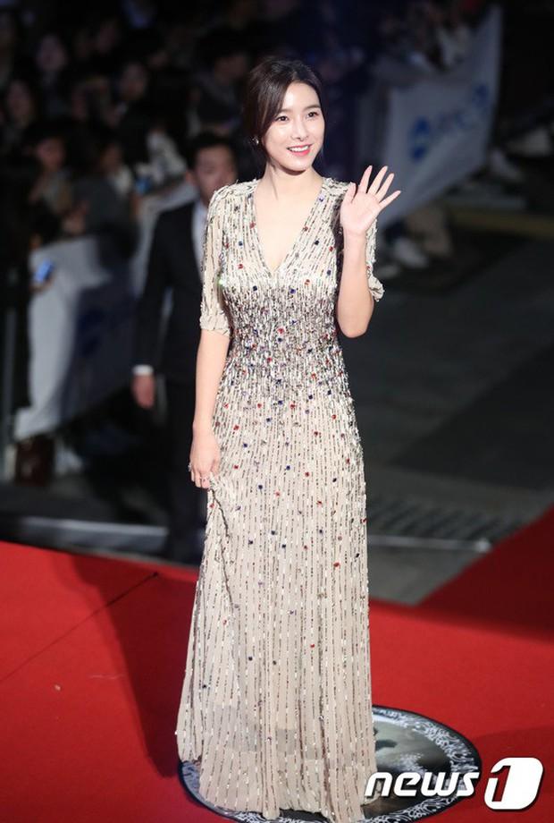 Thảm đỏ Oscar Hàn Quốc 2018: Nàng cháo và loạt mỹ nhân thi nhau o ép vòng 1, Seolhyun sang như bà hoàng - Ảnh 6.