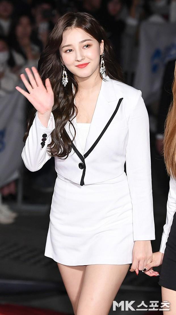 Thảm đỏ Oscar Hàn Quốc 2018: Nàng cháo và loạt mỹ nhân thi nhau o ép vòng 1, Seolhyun sang như bà hoàng - Ảnh 22.