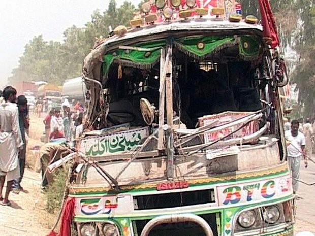 Tai nạn xe buýt thảm khốc khiến 59 người thương vong - Ảnh 1.