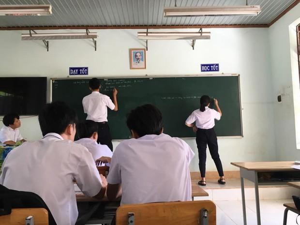 Khoảnh khắc minh chứng: Đôi bạn khổng lồ - tí hon chính là đặc sản của mỗi lớp học! - Ảnh 3.
