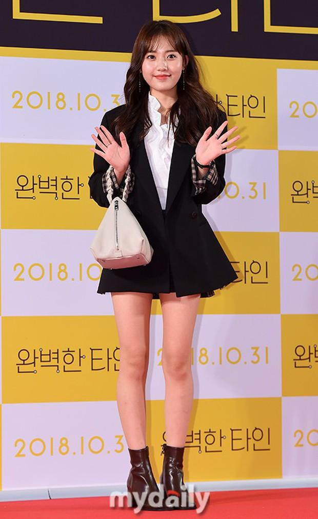 Bạn gái G-Dragon đẹp xuất sắc bên Ha Ji Won và dàn chị đại, nhưng sao nhí này mới là người chiếm spotlight - Ảnh 10.