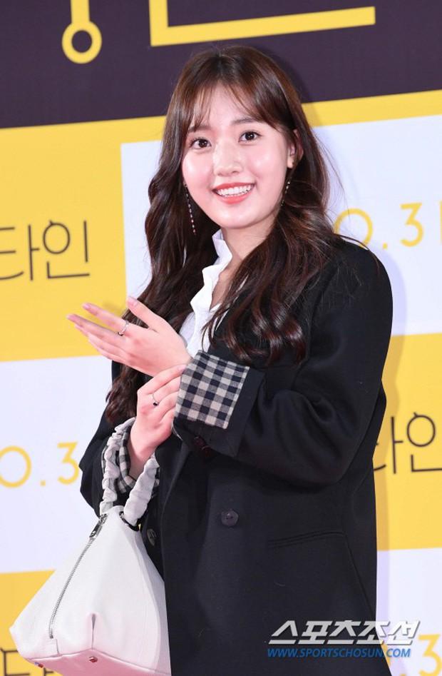 Bạn gái G-Dragon đẹp xuất sắc bên Ha Ji Won và dàn chị đại, nhưng sao nhí này mới là người chiếm spotlight - Ảnh 11.